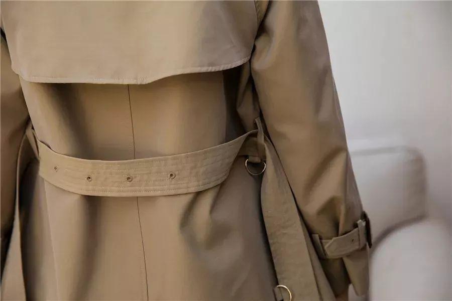 风衣后面的_风衣后面的腰带怎么系