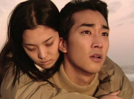 让韩国人不理解的中剧,演员居然要用配音?跳悬崖为何要说台词?