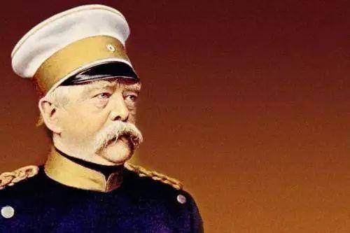 """""""我,超级大炮,能从德国打到莫斯科,国会老爷快给钱"""""""