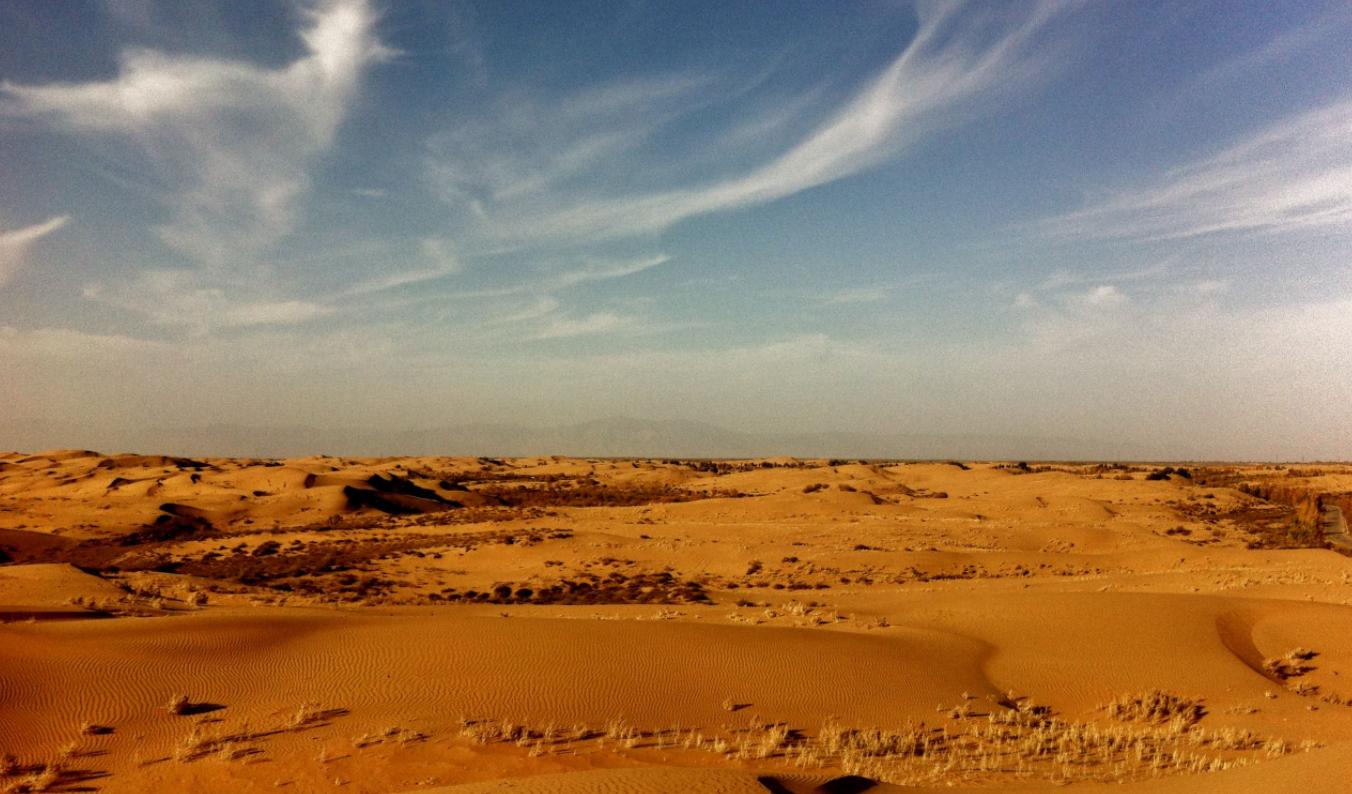 我国最神奇的沙漠:整治25年变湖泊,盈利300亿带动居民收入百万