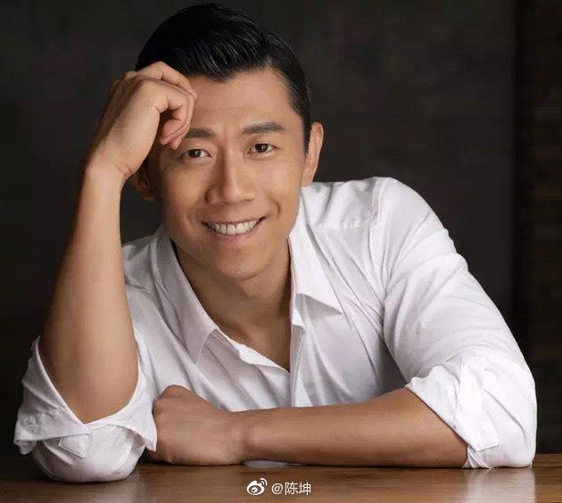 陈坤发文庆夏雨43岁生日,两人是同岁好友,曾合作电影《寻龙诀》