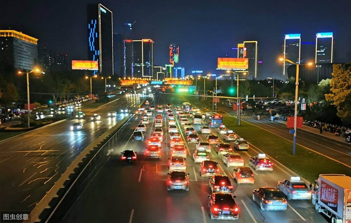 能源汽车普及,充电桩数量已是加油站的10倍,为什么还是不够用?