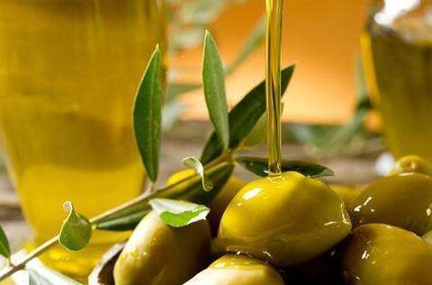 橄榄油炒菜好吗?你习惯用什么油来炒菜呢?