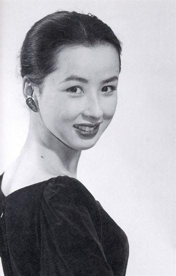 88岁的她去世引发全日本追思,曾在《血疑》中饰山口百惠的妈妈