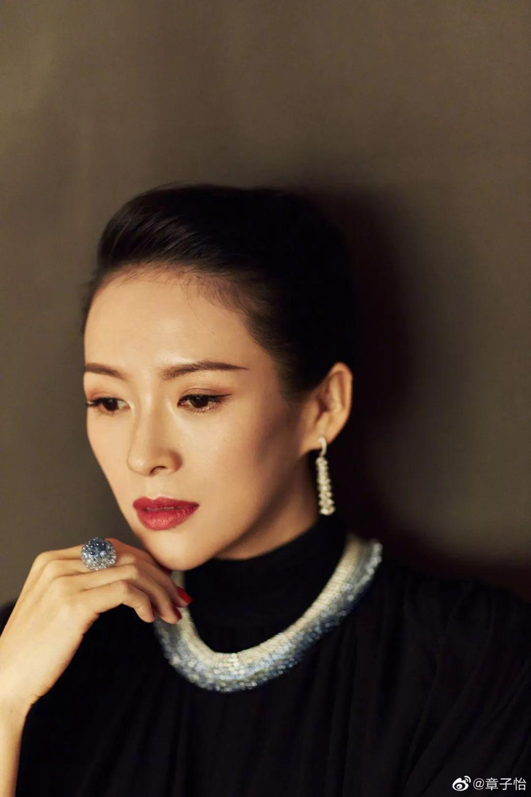 """油管刮起了中国女孩风,没想到在外国人眼里""""中式妆容""""竟然是这样的…_眼影"""