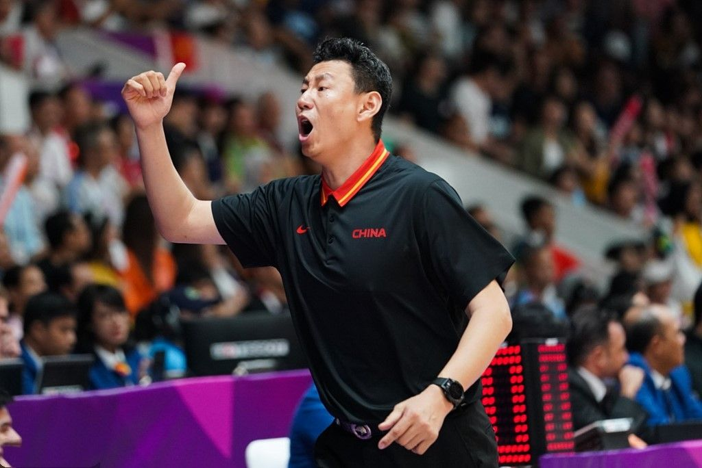 李楠下课后首发声:对不起,让大家对中国男篮失望了!