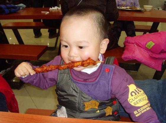 汪涵声称:我家宝宝3岁之前,从没碰过2种食物!你还在给孩吃吗
