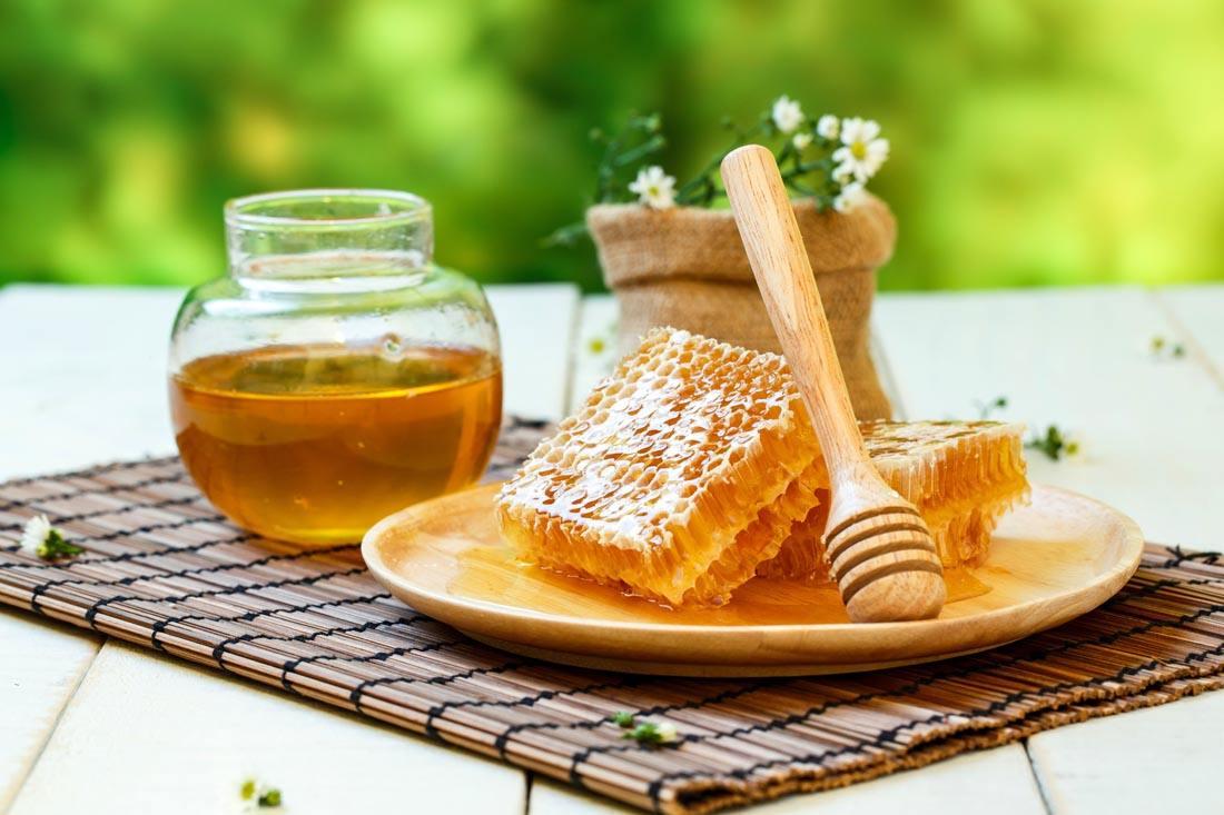 蜂蜜加一物,被称为 天然泻药 ,胖人越吃越瘦,湿气便秘不来扰