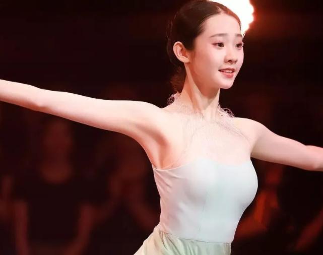 《舞蹈风暴》101女团,张艺凡清纯,敖定雯温婉,郝若琦太飒了