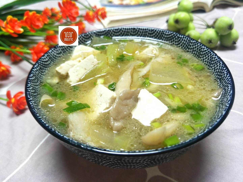 秋天多喝这个汤,我家经常做,清热解毒还护肤,几