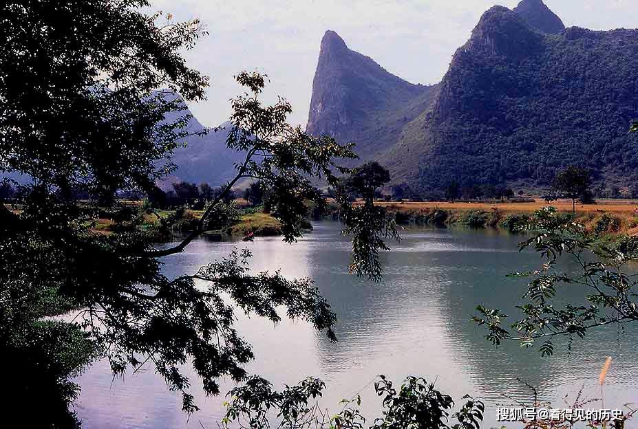 <b>1983年美国游客拍摄的桂林 那山那水那人</b>