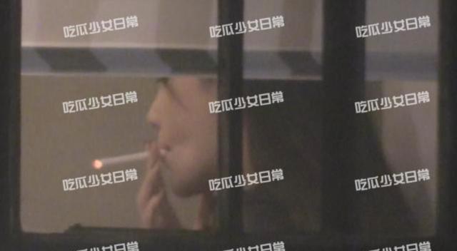 Angelababy又被拍到抽烟!吞云吐雾姿势老练,曾多次下决心戒烟 作者: 来源:猫眼娱乐V