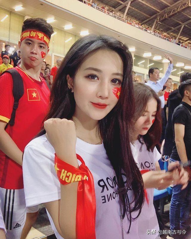 过去十月份越南网络最火的是她们,高颜值的外表,让网友纷纷点赞_照片