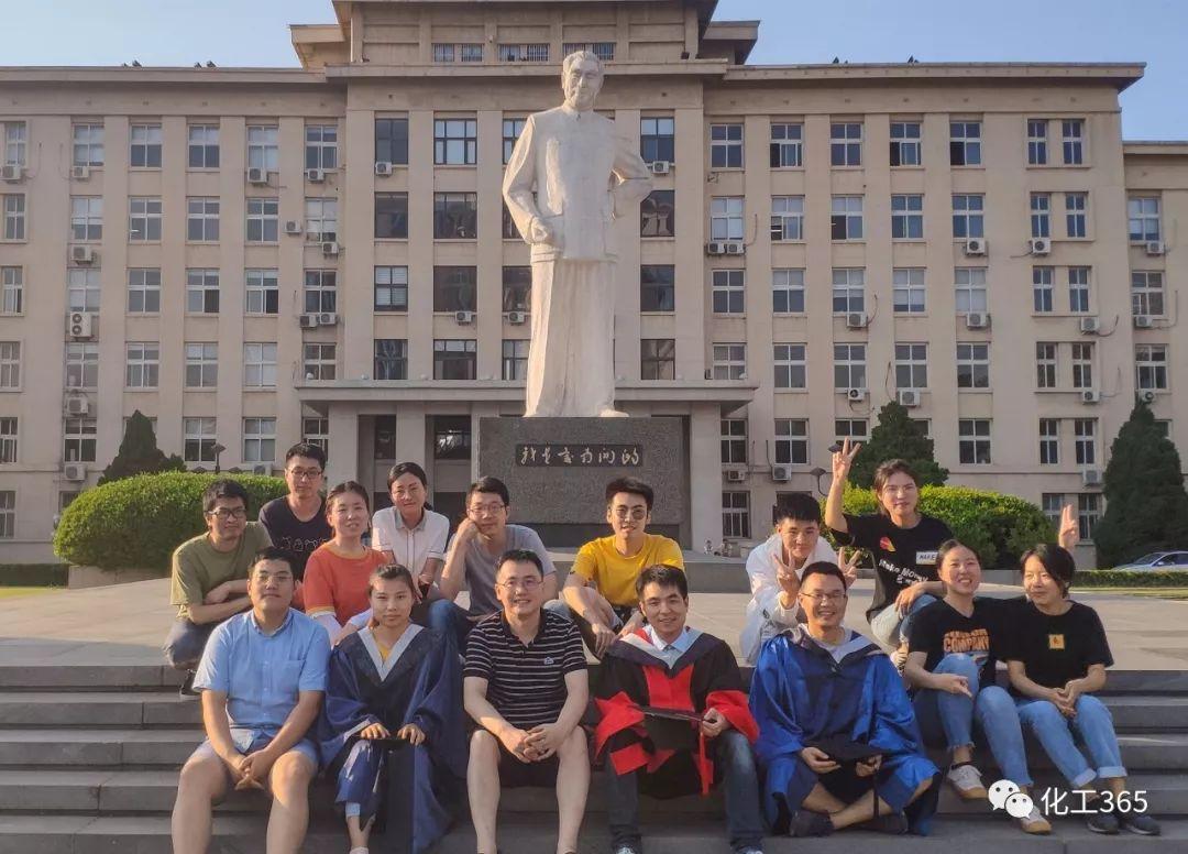 南开大学化学学院有比较特别的博导吗?