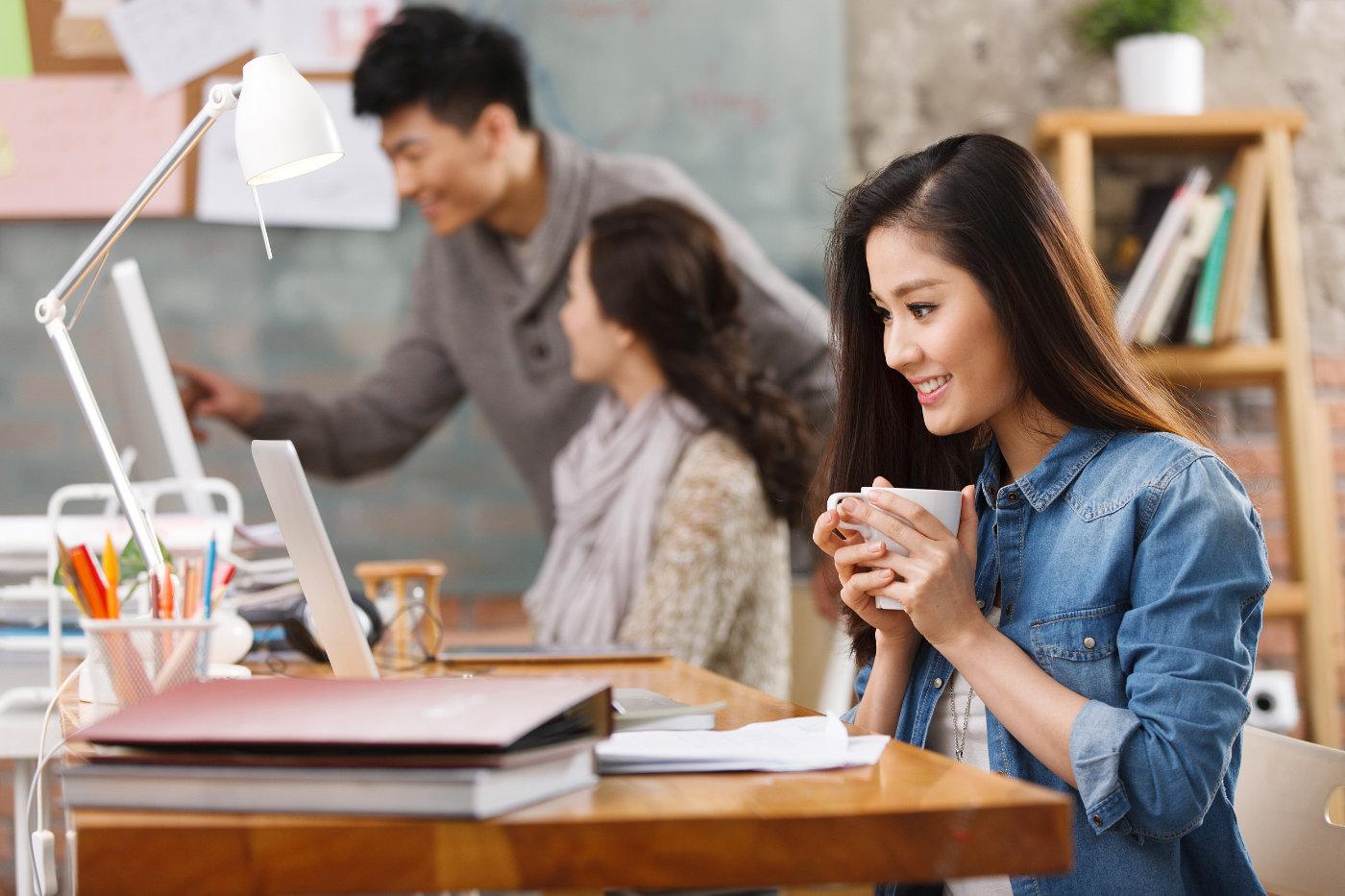 拥有工作经验有助于提高求职成功率,留学生需重视实习的价值