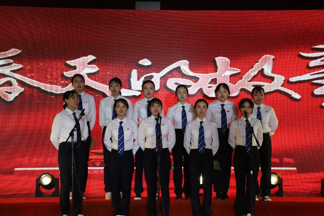 中国梦·铁路情·劳动美丨宜宾车务段职工歌咏比赛暨职工才艺大赛顺利