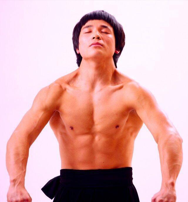 现代李小龙叫板王宝强:虽然甄子丹打不过你,但我要挑战你_杨洋