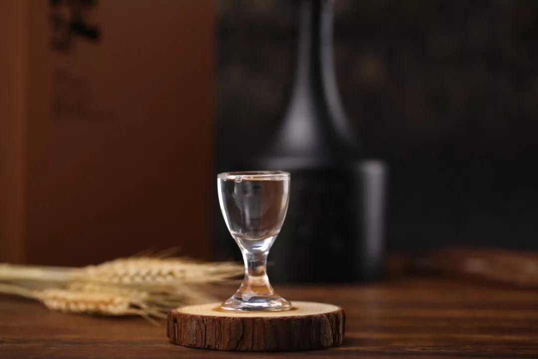白酒,浓缩人生百态