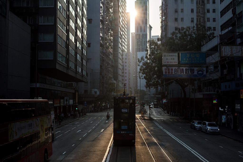 香港私企活动降至21年最低,内地需求创纪录下降