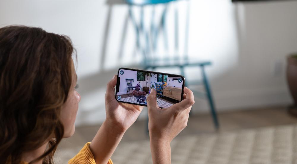 微信已基本恢复iOS13.2杀后台问题;苹果AR头显或于明年上市|早8点档