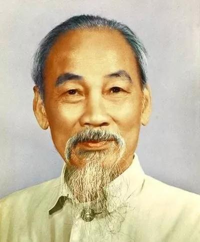 精通汉语的胡志明,为什么会下令废除影响了越南一千多年的汉字?