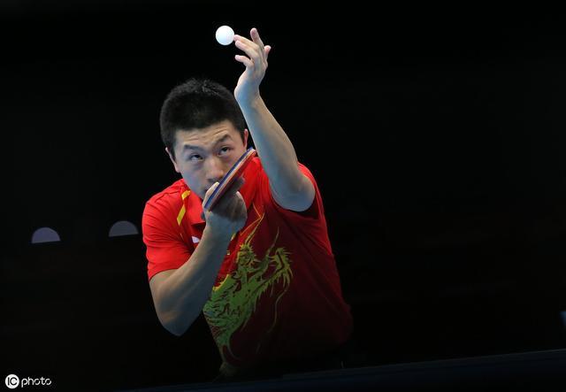 18岁天才难挡中国男乒领跑晋级8强,张本智和被狠狠泼了盆凉水