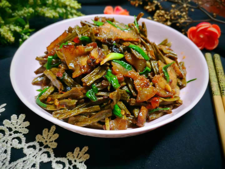 冷天孩子最馋这菜,简单一炒就出锅,我家每周吃三回,特下饭!