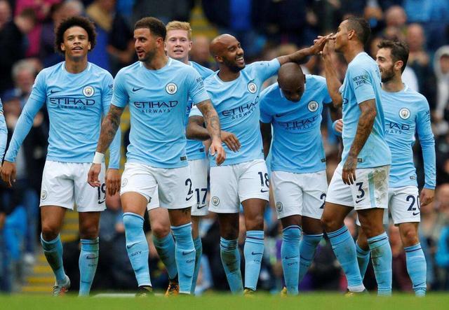 英超积分榜:利物浦6分领跑,兰帕德率队稳居前四曼联排名下降