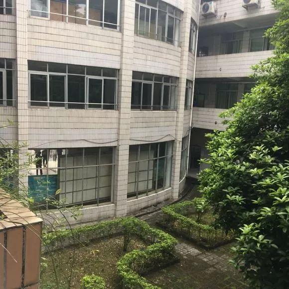 公办 广东松山职业技术学院环境 宿舍 分数介绍