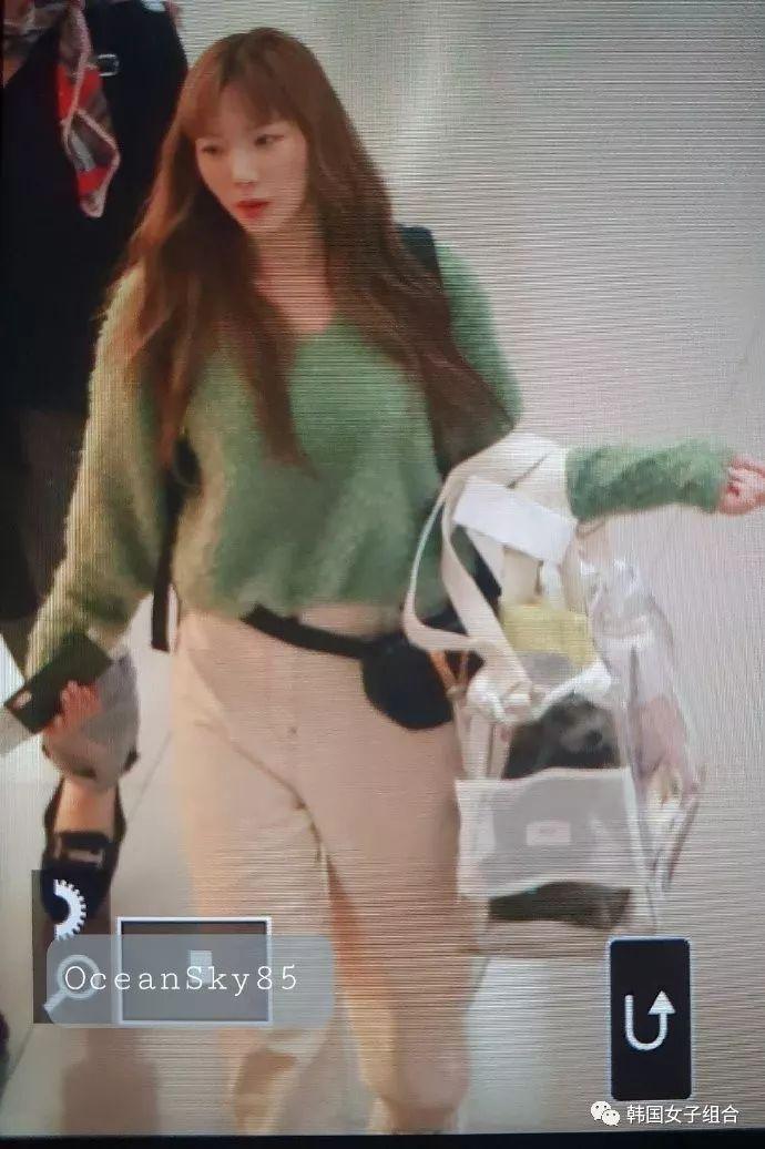 泰妍帶潔柔跑行程了?經紀人手上的袋子吃香了!