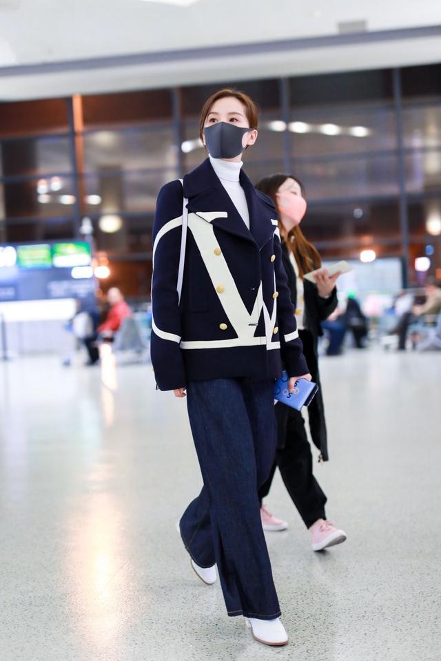 官方身高都是165,刘诗诗踩着高跟鞋,还没阚清子穿平底鞋高?