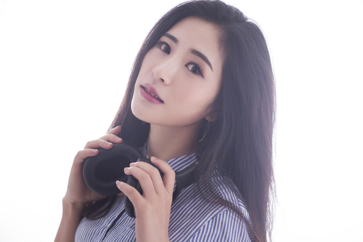 铁肺歌姬潘果果强势进驻,网易CC直播首秀开嗓_情感
