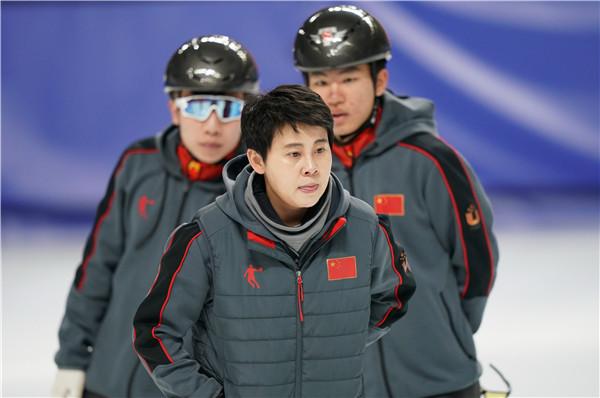从运动员到总教头,王濛世界杯执教首秀赢得漂亮