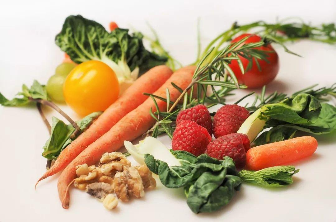 人均蔬菜_蔬菜卡通图片