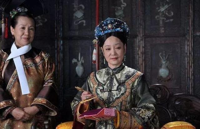 """曾是琼瑶御用演员,如今被称为""""太后专业户"""