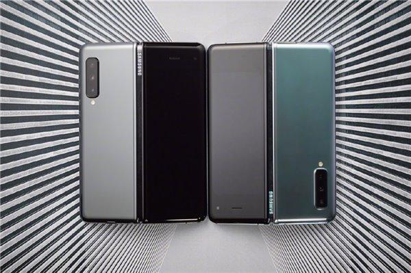 15999元,三星折叠屏手机GalaxyFold国行版今日正式开售