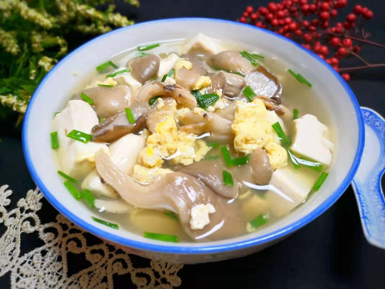 今日立冬,记得煮这汤给家人喝,滋补暖胃又驱寒,鲜美好喝不长胖