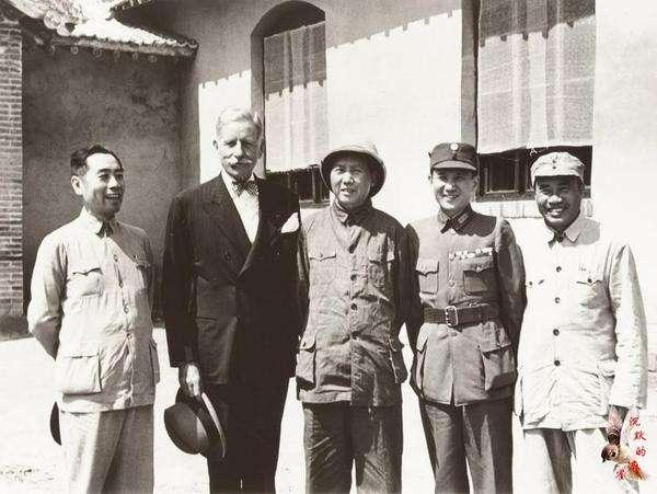 美帮蒋打内战他就撂狠话,我的破枪能打日本就能同美国打_赫尔利