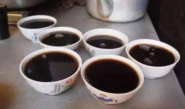 凉茶变毒品!这家店被搜出6万多包毒粉,你有没喝过?