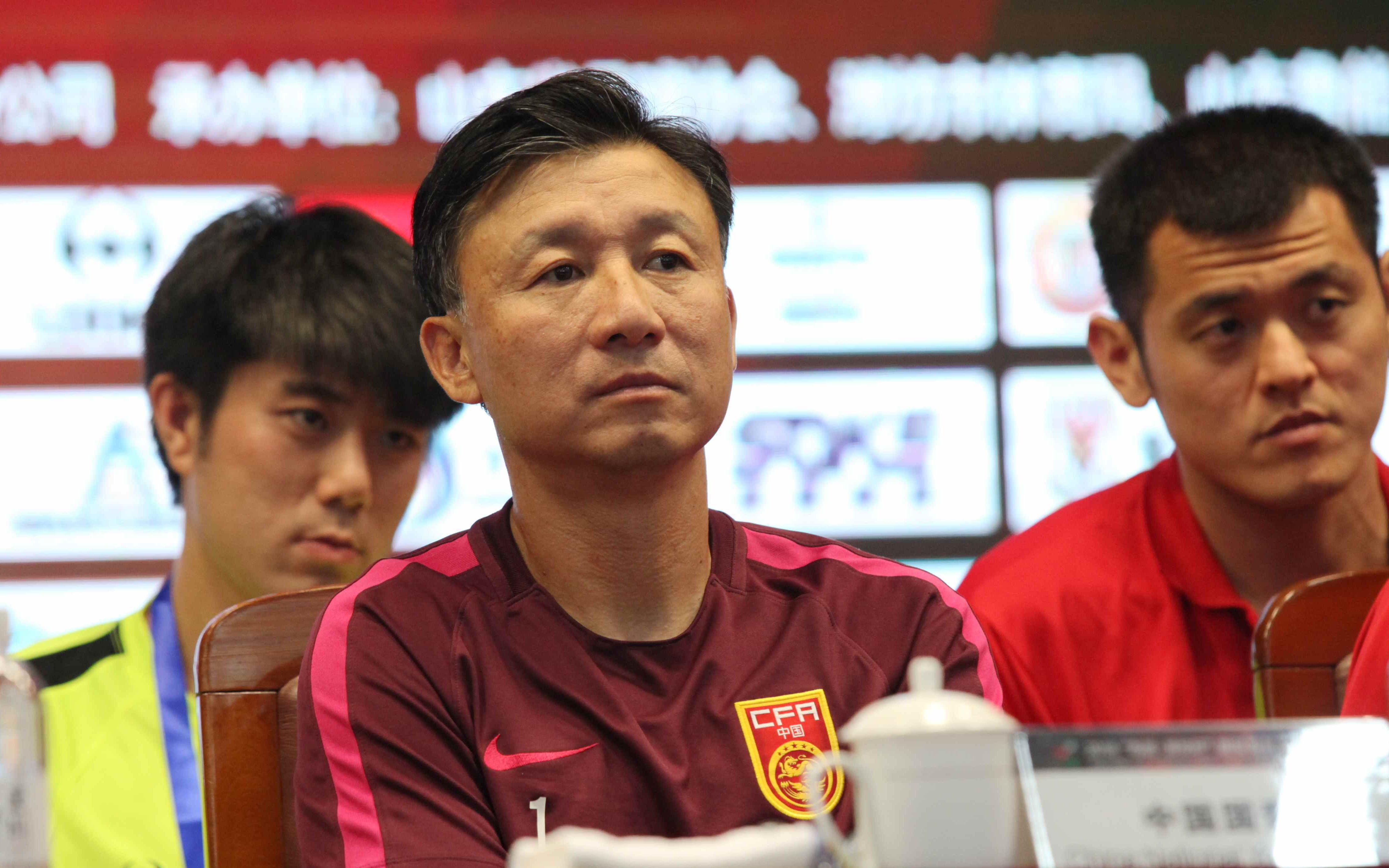 同样面对新加坡队,国青队比韩国队少赢9个球_耀东