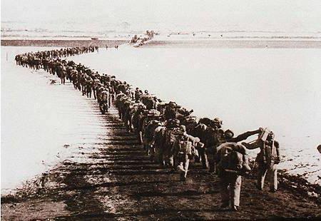 这一仗让世界见识中国军人厉害,美上将终身不愿提起,溃退26公里_志愿军