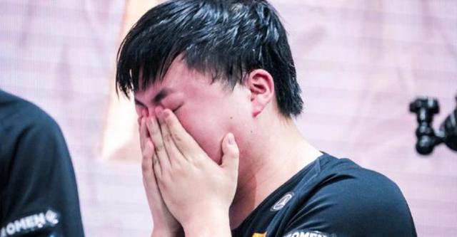 止步16强后沉寂半个月,RNG官博终于发声,宣布的还是一件大好事_官宣