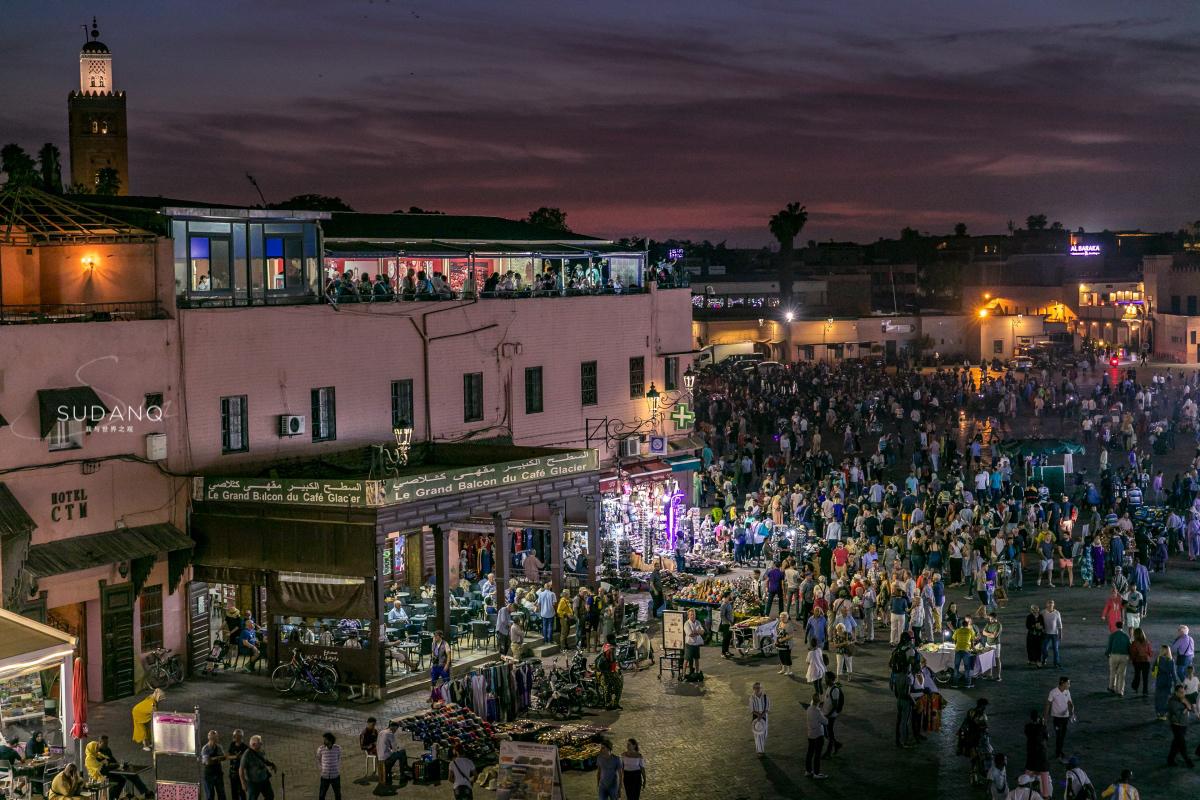 摩洛哥的奇幻夜:它曾是处决犯人的刑场,游客与亡魂共同狂欢_马拉喀什
