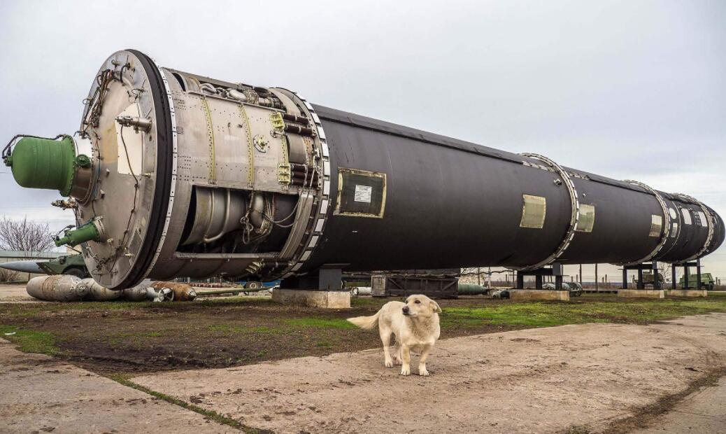 曾经世界第三核大国,现十年造一辆坦克,总统惊动,军方下令严惩_苏联