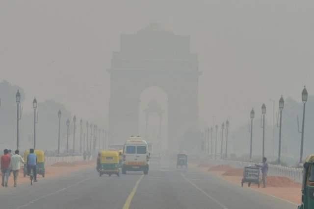 """首都刚成""""毒气室"""",印度母亲河也漂浮毒泡沫,给13亿国人提个醒_民众"""