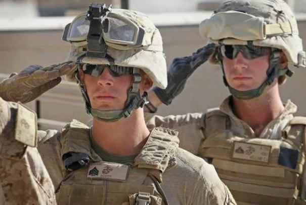 为啥美军士兵总是佩戴手套,解放军却很少有人戴?听听军官的回答_战术