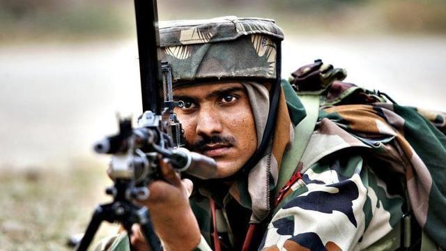 全球独一无二的头盔,印度军方的方形头盔,战场上防弹又防丢_设计