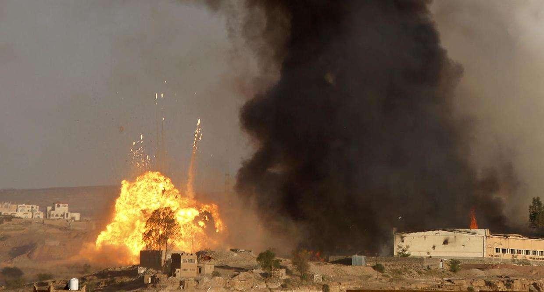 160亿没白花,中东再传巨响,美盟友港口剧烈爆炸,武器来自伊朗_也门