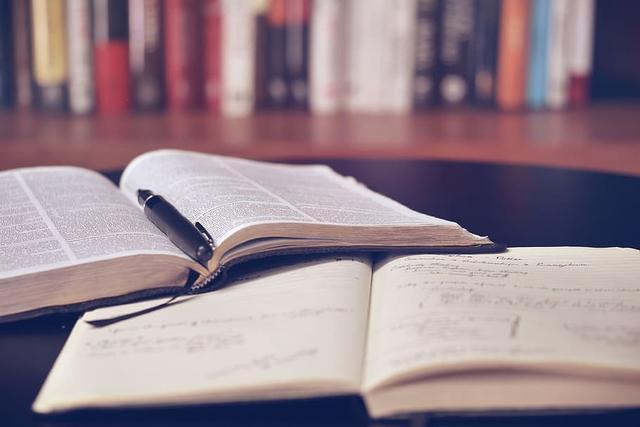 思潮英文|各阶段留学新加坡学费多少人民币!