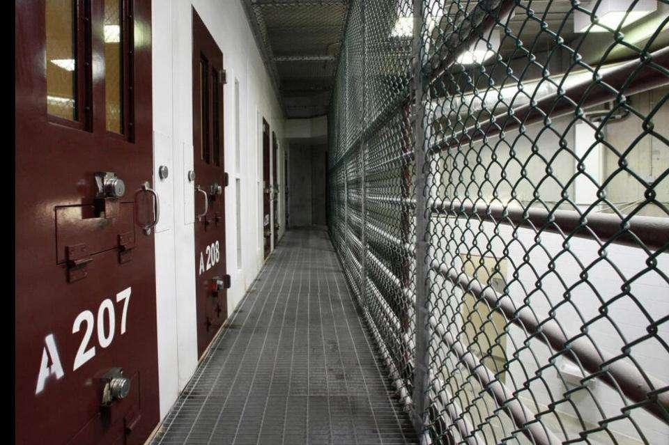 美国终身监禁犯人昏迷被送医院 苏醒后说:我死过了,应该放了我_施莱伯本